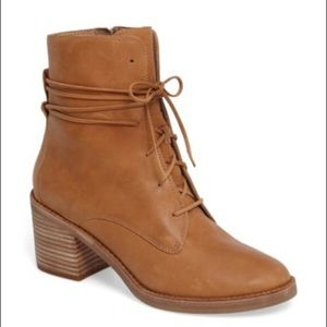UGG Women's Oriana Boot
